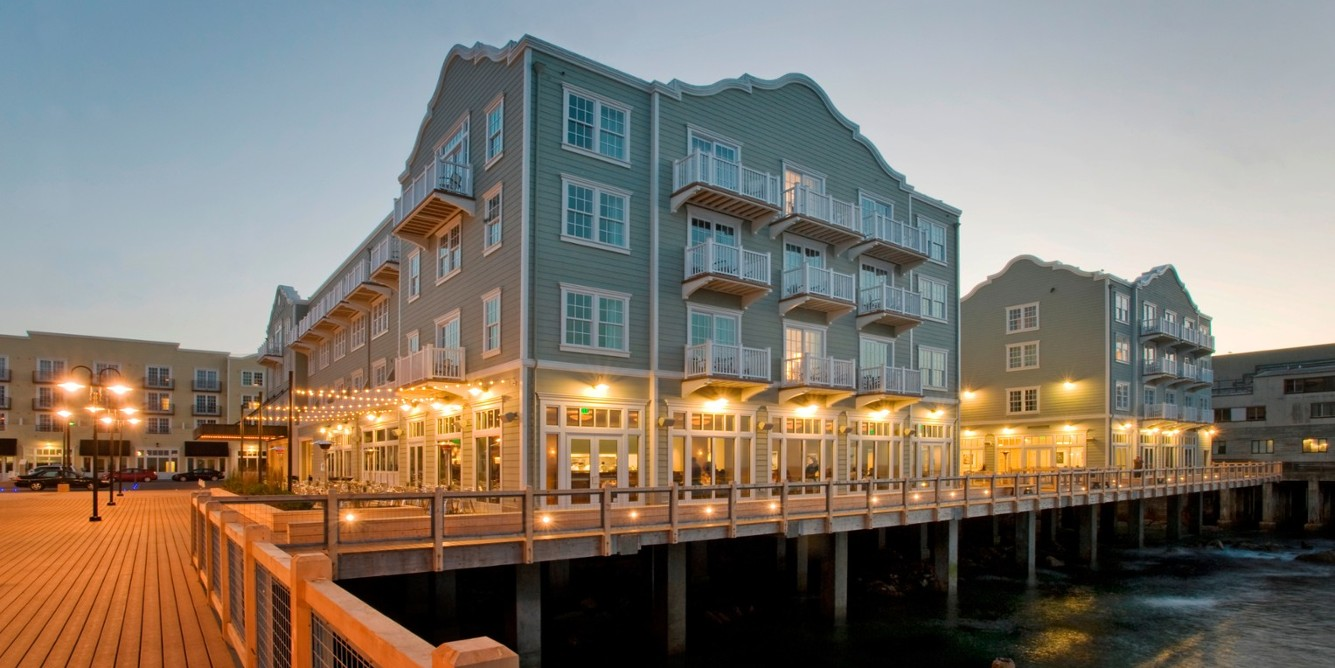 Jetsetter_Resort-&-Spa-&-Discounts_Monterey-Waterfront-Hotel-Next-to-Cannery-Row