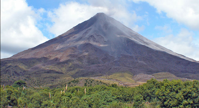 TripMasters.com_International-Vacations_Costa-Rica-Volcano-&-Cloud-Forest-Adventure-w/Air