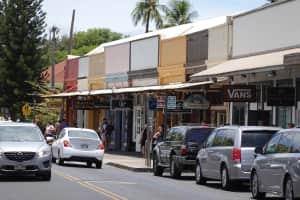 ラハイナの町  お土産屋とギャラリーがたくさんあった 4枚目がラハイナバニ...
