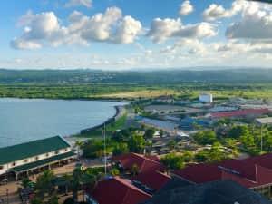 ファルマスの港に到着! 朝早かったこともあり 港は思ったより閑散としてた ...