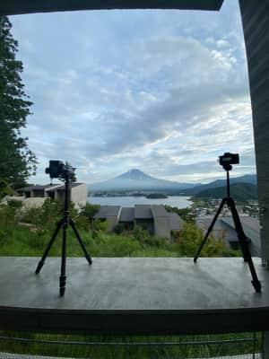 いい感じの富士になってきていますね! 多分富士山側が南なので天の川が富士山...