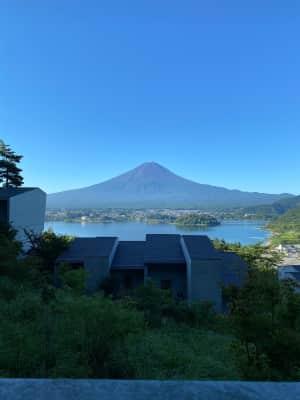 朝富士  雲ひとつなし