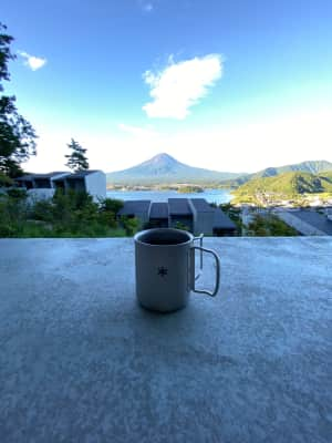 コーヒーと朝富士! 最高の眺め!  一つ残念なのは星のタイムラプスが設定ミ...