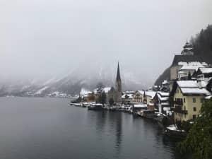 オーストリア🇦🇹 ザルツカンマーグート  雪でものすごく寒かったです、、 ...