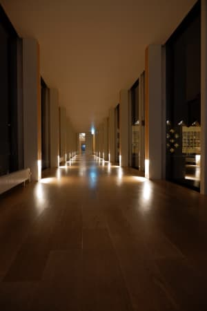 木のいい匂いに癒された〜 ライブラリーは誰でも入れる所と宿泊者専用の2箇所。
