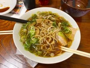 中華そば 冨士屋  お腹ペコペコすぎて写真撮る前に食べちゃったから食べかけ写真🍜