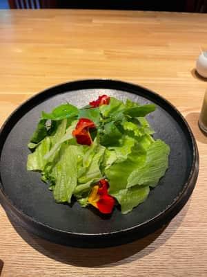 里山十帖の洋食朝ごはん  お野菜が来てカボチャのスープとパンとだし巻き玉子...