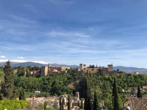 アルハンブラ宮殿✨  どうしてもここは行きたくて・・ バルセロナ到着後✈️...