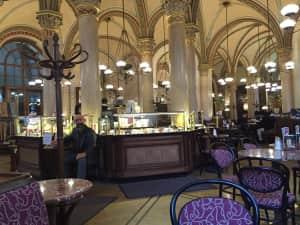 1876年創業、ウィーンを代表する老舗カフェ 「カフェ・ツェントラル」 開...