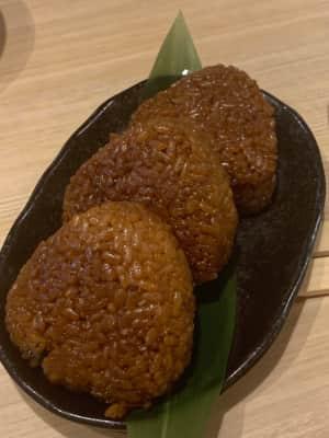 名古屋といえば、ひつまぶし。美味しい!  すっごい空いてる。  2枚目はウ...