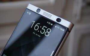 BlackBerry KEYone front camera