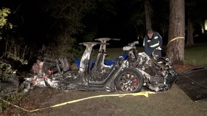 Tesla car crash and fire texas