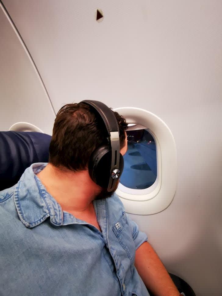 using sennheiser momentum 3 on a flight