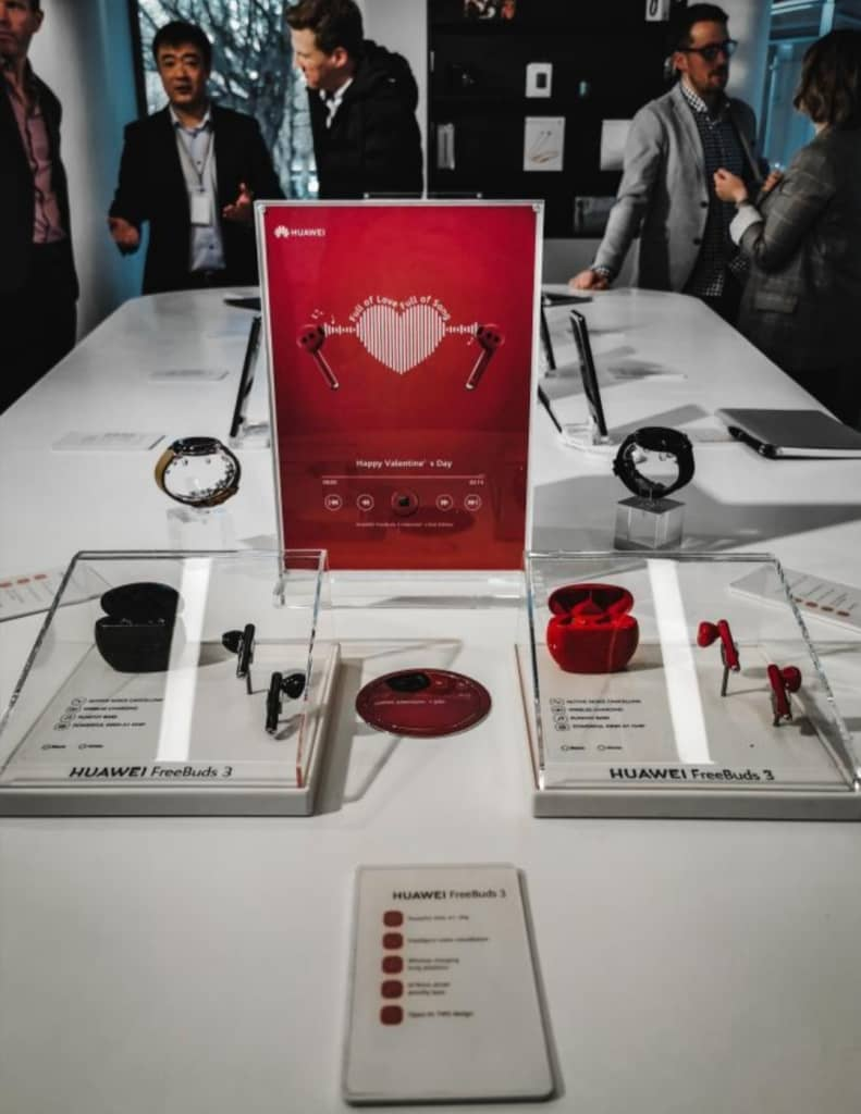 limited edition red huawei freebuds 3