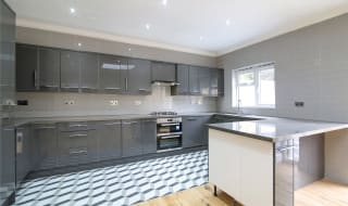 for sale in Beatrice Avenue, London, SW16 4UW-View-1
