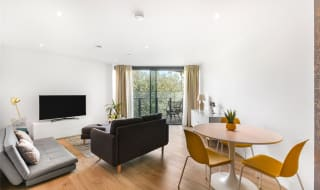 for sale in Churchyard Row, Elephant and Castle, SE11 4FE-View-1