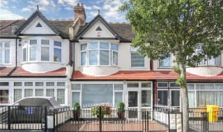 for sale in Mayfield Road, Thornton Heath, CR7 6DN-View-1