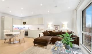 for sale in Sayer Street, Elephant and Castle, SE17 1FG-View-1