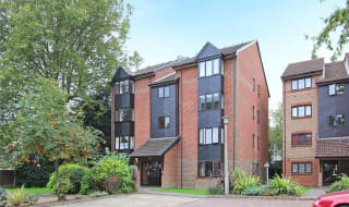 for sale in St. Christophers Gardens, Thornton Heath, CR7 7NS-View-1