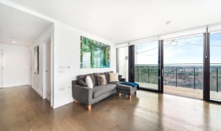 for sale in St. Gabriel Walk, Elephant and Castle, SE1 6FD-View-1