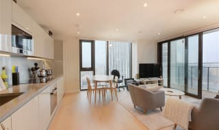 for sale in St. Gabriel Walk, Elephant and Castle, SE1 6FB-View-1