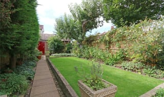 to rent in Dalmeny Avenue, Norbury, SW16 4RS-View-1