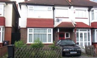 to rent in Ederline Avenue, Norbury, SW16 4RZ-View-1