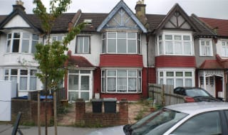 to rent in Ederline Avenue, Norbury, SW16 4SA-View-1