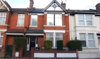 to rent in Fairview Road, Norbury, SW16 5PY-View-1