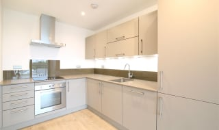 to rent in Flat 2 Guild House, 393 New Rotherhithe Road, SE16 3FN-View-1