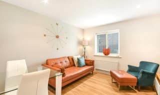 to rent in Foxglove Way, Wallington, SM6 7FJ-View-1