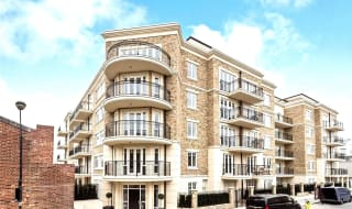 to rent in Higham House East, 100 Carnwath Road, SW6 3HW-View-1