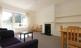 to rent in Holmside Court, Nightingale Lane, SW12 8TA-View-1