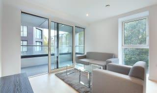 to rent in Hurlock Heights, 4 Deacon Street, SE17 1GD-View-1
