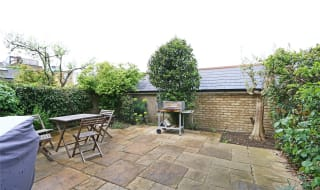 to rent in Lavender Hill, London, SW11 5RB-View-1