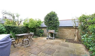 to rent in Lavender Hill, Lower Ground, SW11 5RB-View-1