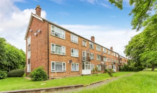 to rent in London Road, Norbury, SW16 4XA-View-1