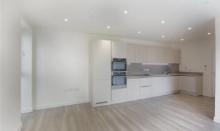 to rent in Moorhen Drive, Hendon, NW9 7BF-View-1