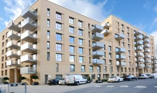 to rent in Moorhen Drive, Hendon, NW9 7DR-View-1