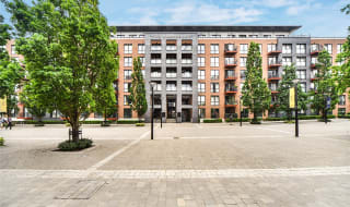 to rent in No 1 Street, London, SE18 6FD-View-1