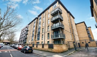 to rent in Spa Road, London, SE16 3FD-View-1