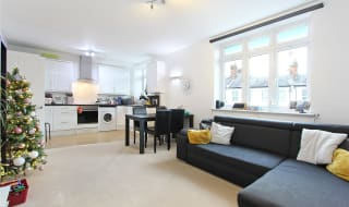 to rent in Stanford Road, Norbury, SW16 4PZ-View-1