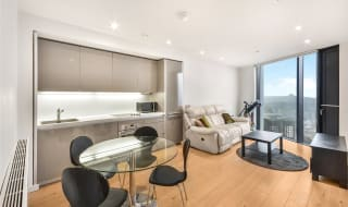 to rent in Strata, 8 Walworth Road, SE1 6EG-View-1