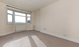 to rent in Streatham Vale, Streatham, SW16 5TE-View-1