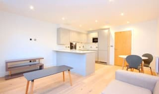 to rent in The Glass House, 53 Tower Bridge Road, SE1 4TL-View-1