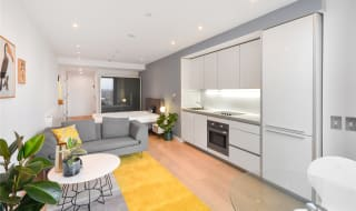 to rent in Walworth Road, London, SE1 6EG-View-1