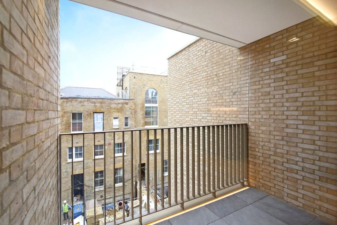 Flat for sale in Abernethy House, 47 Bartholomew Close, EC1A 7BD - view - 5