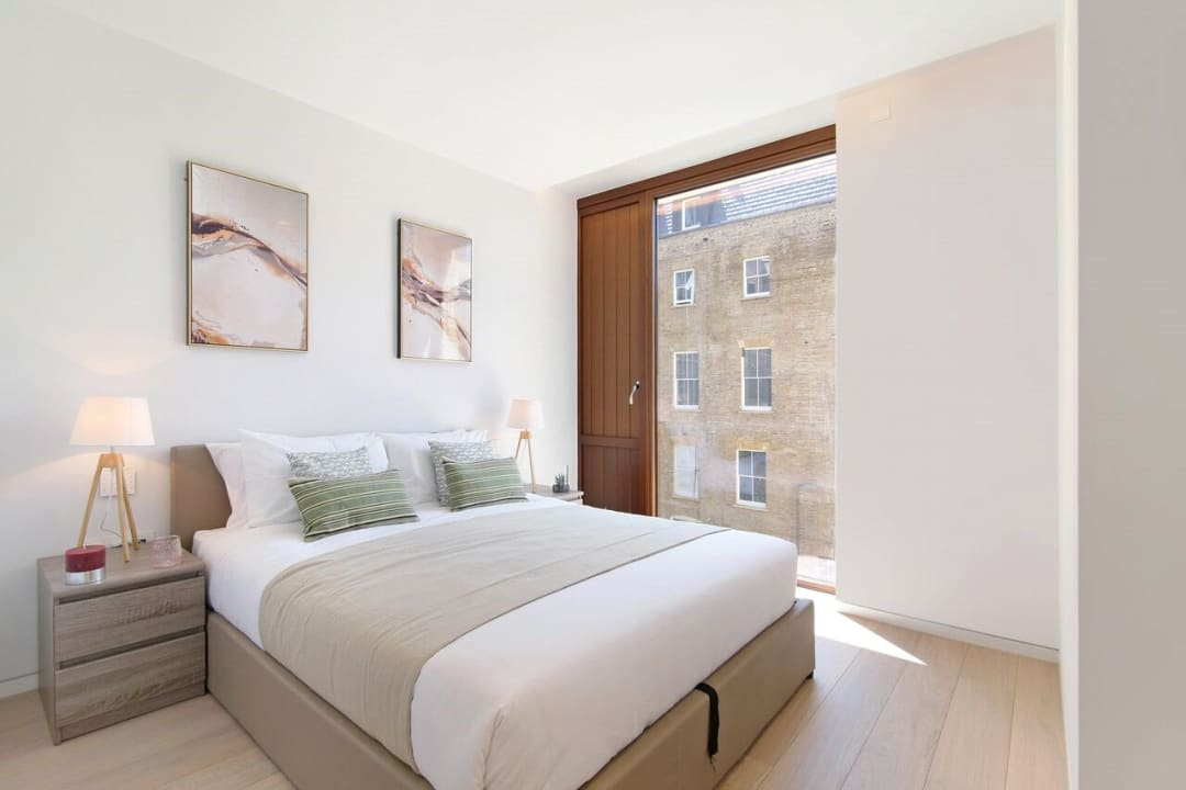 Flat for sale in Abernethy House, 47 Bartholomew Close, EC1A 7BD - view - 2