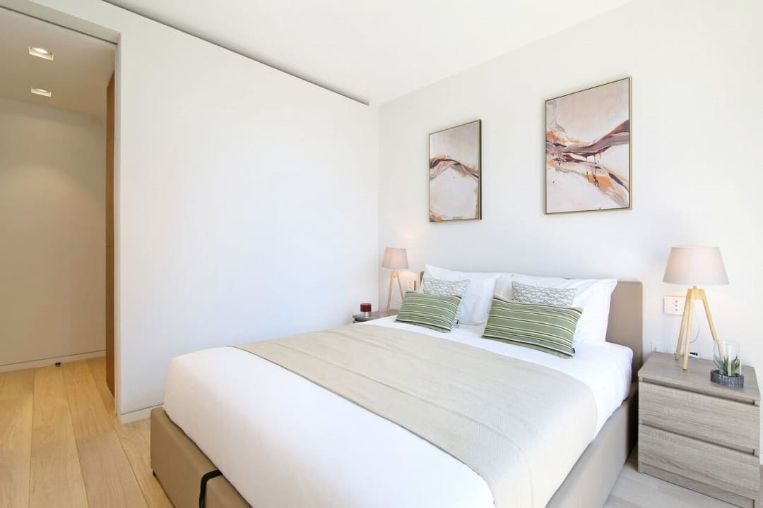 Flat for sale in Abernethy House, 47 Bartholomew Close, EC1A 7BD - view - 6
