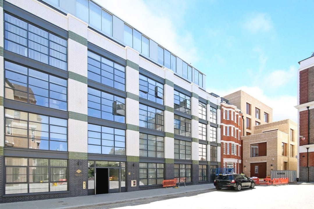 Flat for sale in Abernethy House, 47 Bartholomew Close, EC1A 7BD - view - 11
